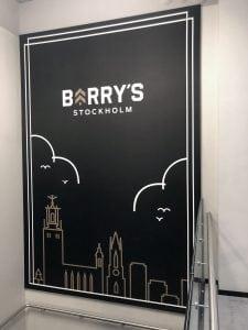 Barrys-vaegg-225x300